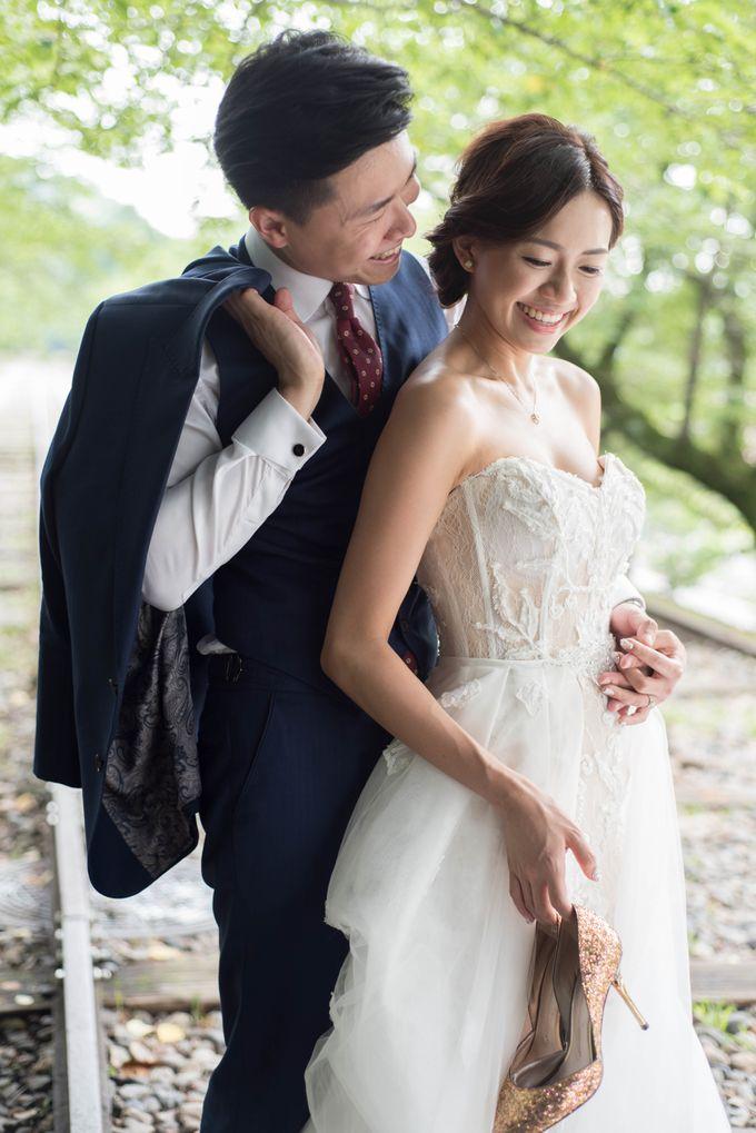 Bespoke wedding dress by Kelly's Bridals - 016
