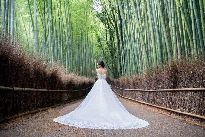 Bespoke wedding dress by Kelly's Bridals - 001