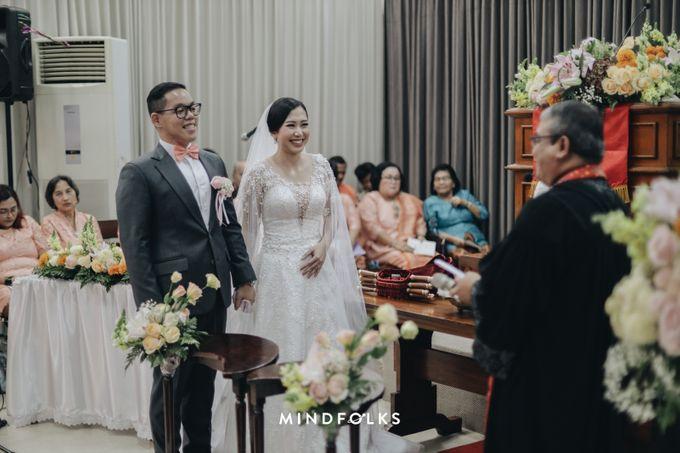 From Ricky & Desti Holy Matrimony by Skenoo Hall Emporium Pluit by IKK Wedding - 004