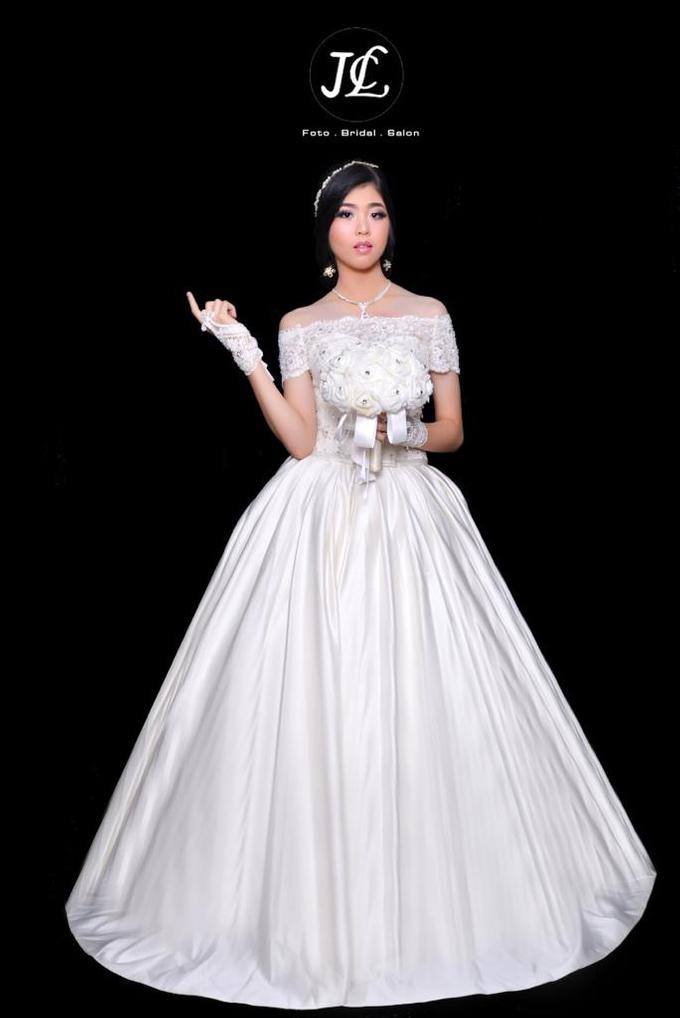 Gown Wedding 1 by JCL FOTO BRIDAL SALON - 001