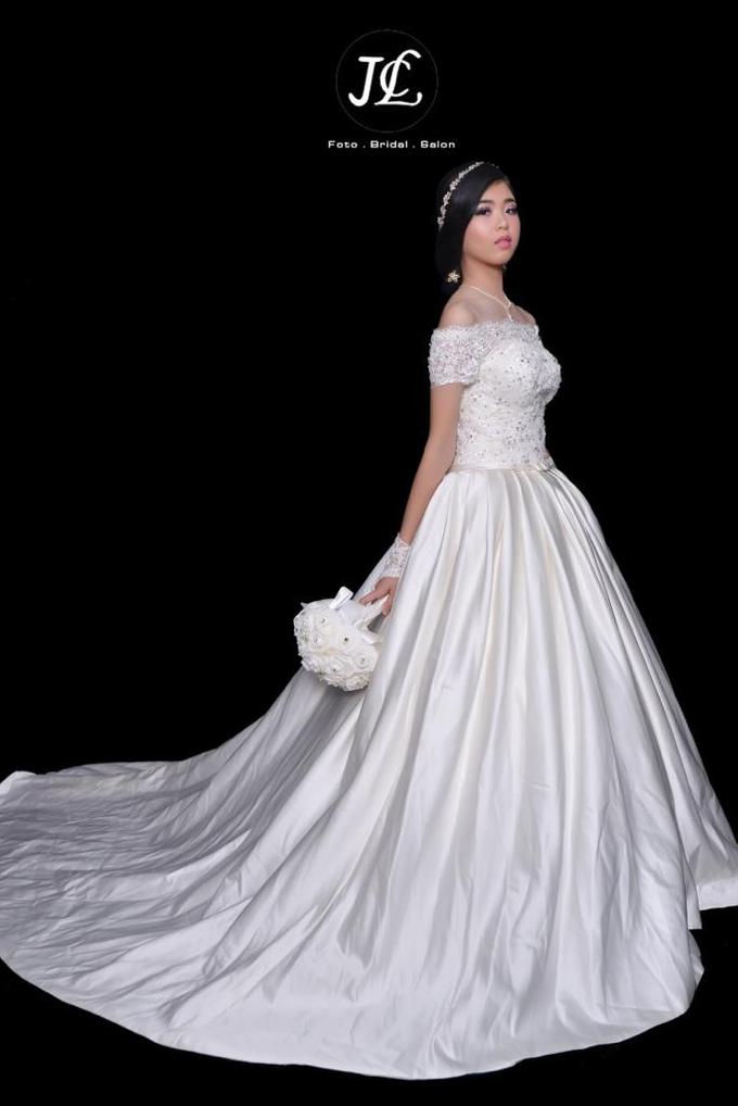 Gown Wedding 1 by JCL FOTO BRIDAL SALON - 003