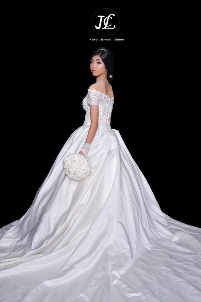 Gown Wedding 1 by JCL FOTO BRIDAL SALON - 002