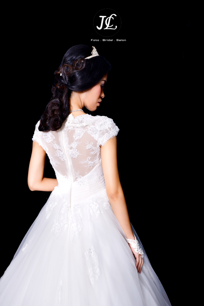 WEDDING GOWN IV by JCL FOTO BRIDAL SALON - 001