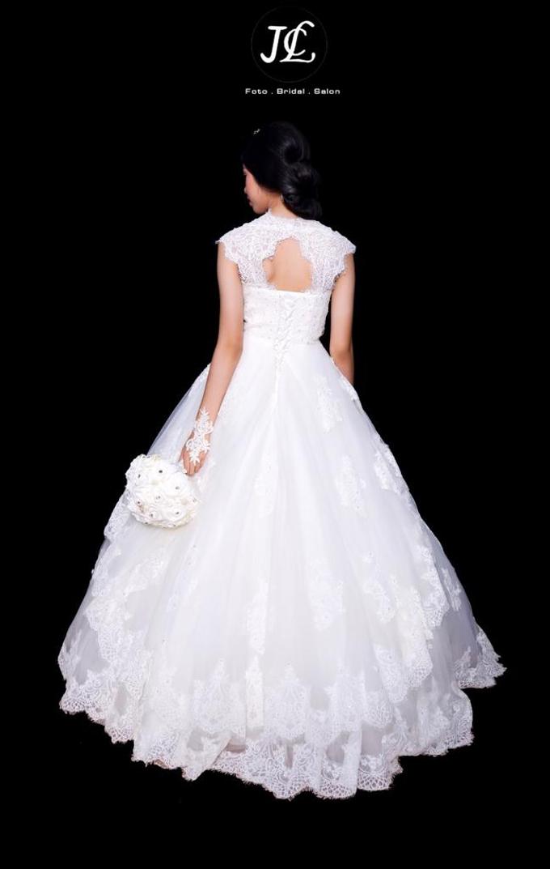 WEDDING GOWN XXXII by JCL FOTO BRIDAL SALON - 002