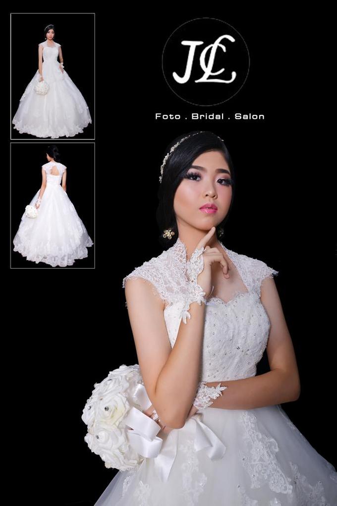 WEDDING GOWN XXXII by JCL FOTO BRIDAL SALON - 004