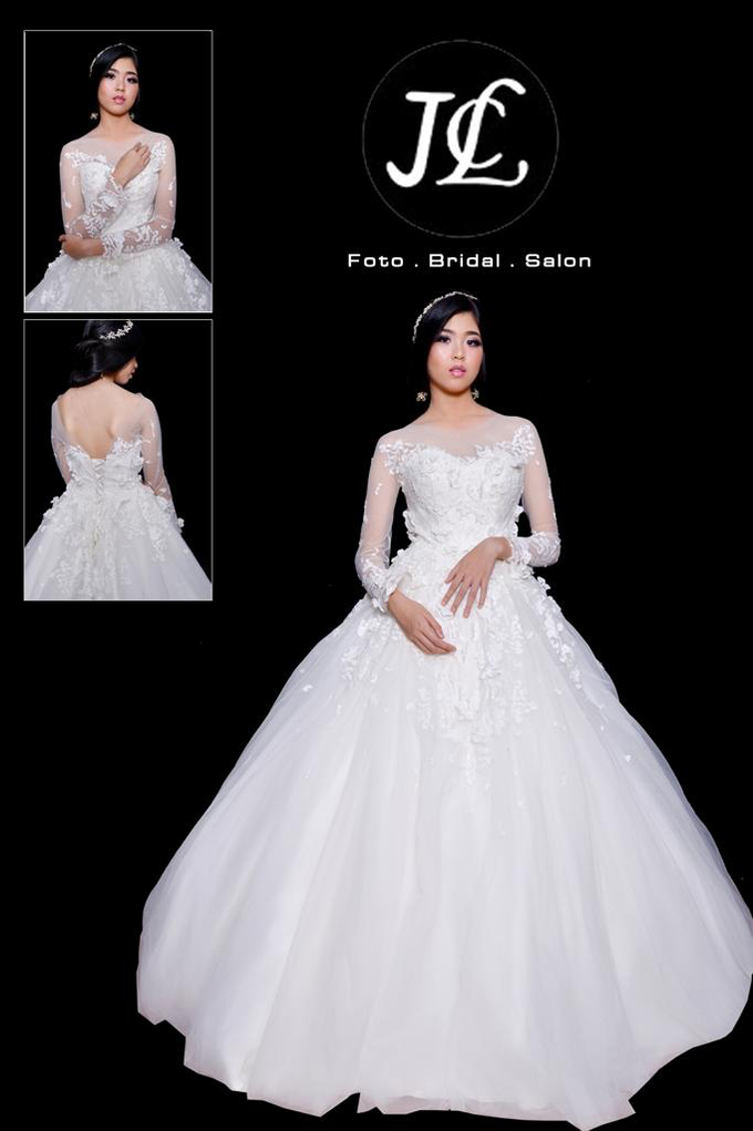 WEDDING GOWN XXXVIII by JCL FOTO BRIDAL SALON - 004