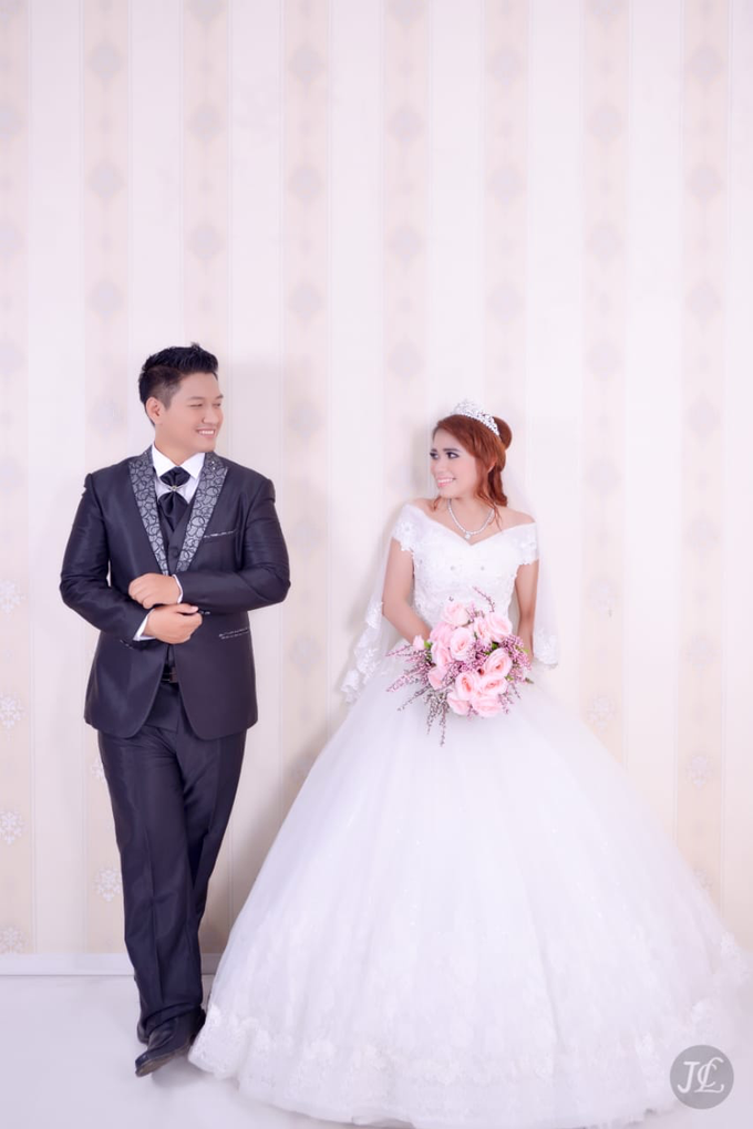 PREWEDDING INDOOR VERONICA & FEBRIANT by JCL FOTO BRIDAL SALON - 005