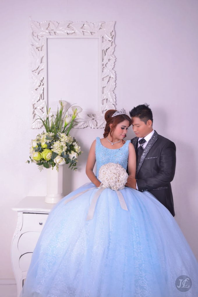 PREWEDDING INDOOR VERONICA & FEBRIANT by JCL FOTO BRIDAL SALON - 001