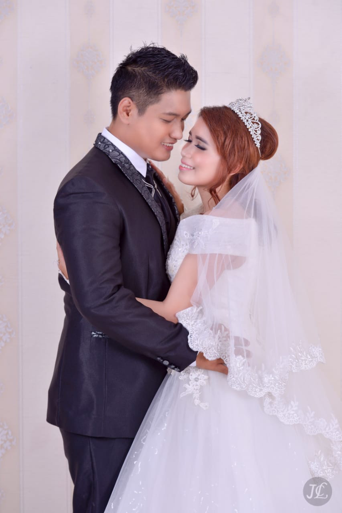 PREWEDDING INDOOR VERONICA & FEBRIANT by JCL FOTO BRIDAL SALON - 004