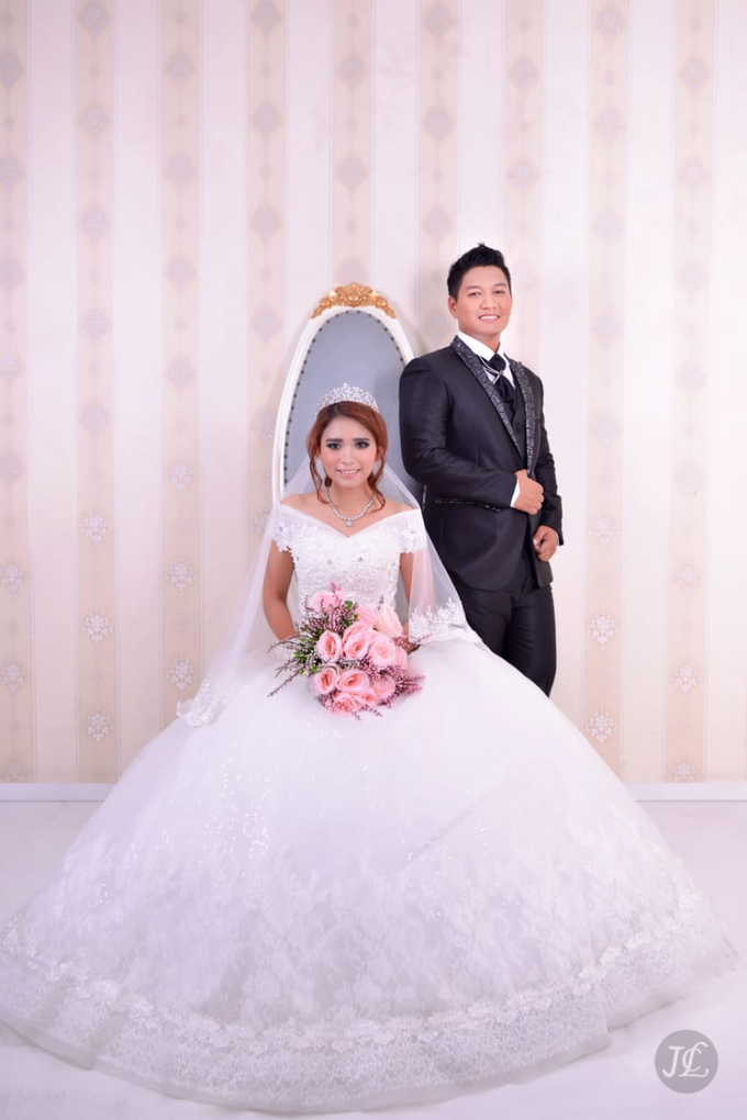 PREWEDDING INDOOR VERONICA & FEBRIANT by JCL FOTO BRIDAL SALON - 007