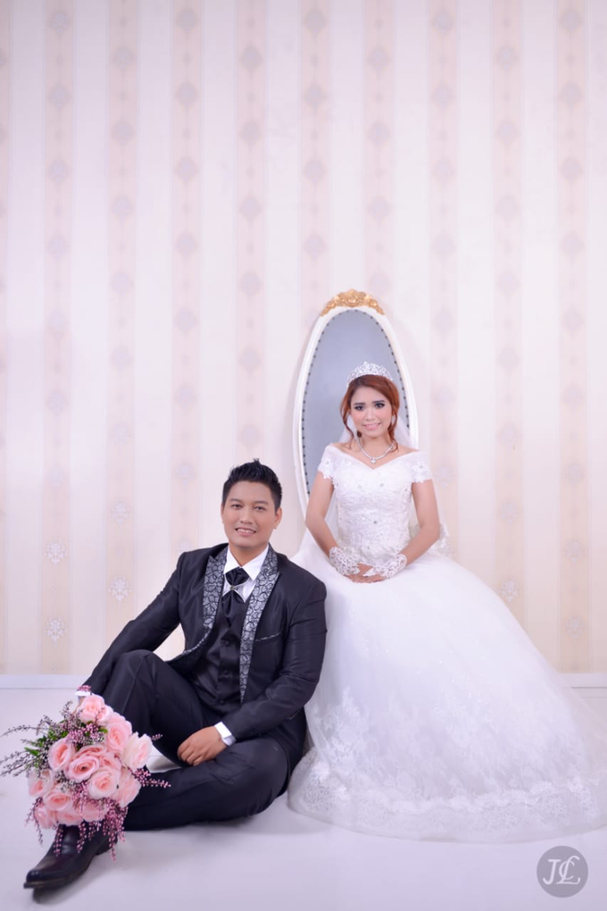 PREWEDDING INDOOR VERONICA & FEBRIANT by JCL FOTO BRIDAL SALON - 006
