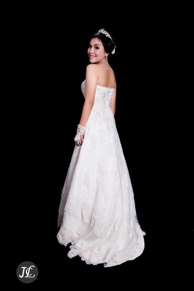 WEDDING GOWN 42 by JCL FOTO BRIDAL SALON - 003