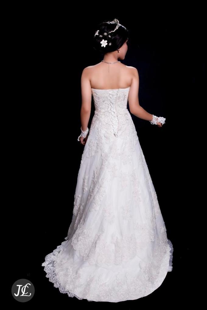 WEDDING GOWN 42 by JCL FOTO BRIDAL SALON - 002