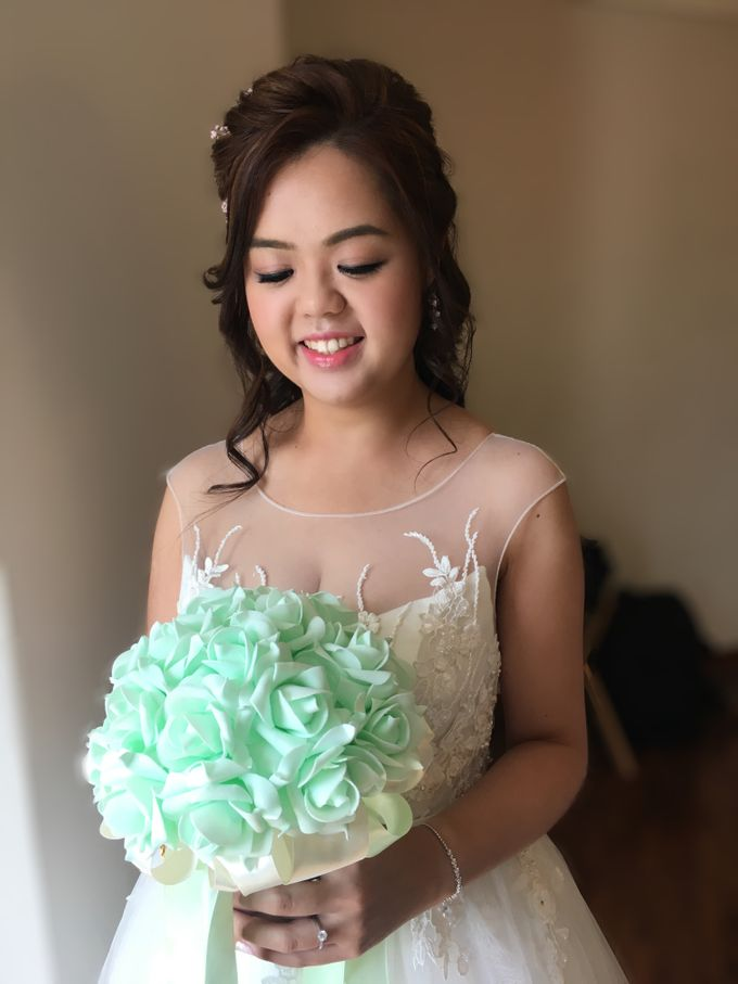 Romantic Floral Rustic Half up Half Down Hairstyles by Sylvia Koh Makeup and Hairstyling - 001