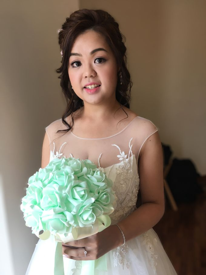 Romantic Floral Rustic Half up Half Down Hairstyles by Sylvia Koh Makeup and Hairstyling - 002