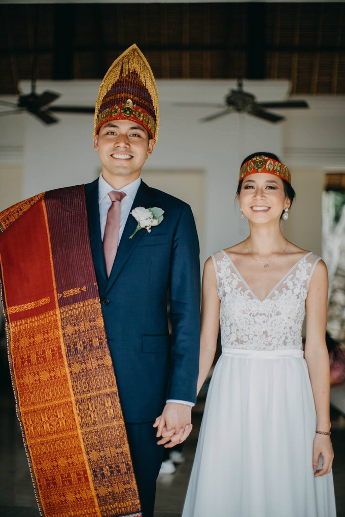 Batak and vietnames wedding look for Kim by Jeanette Anandajoo - 009