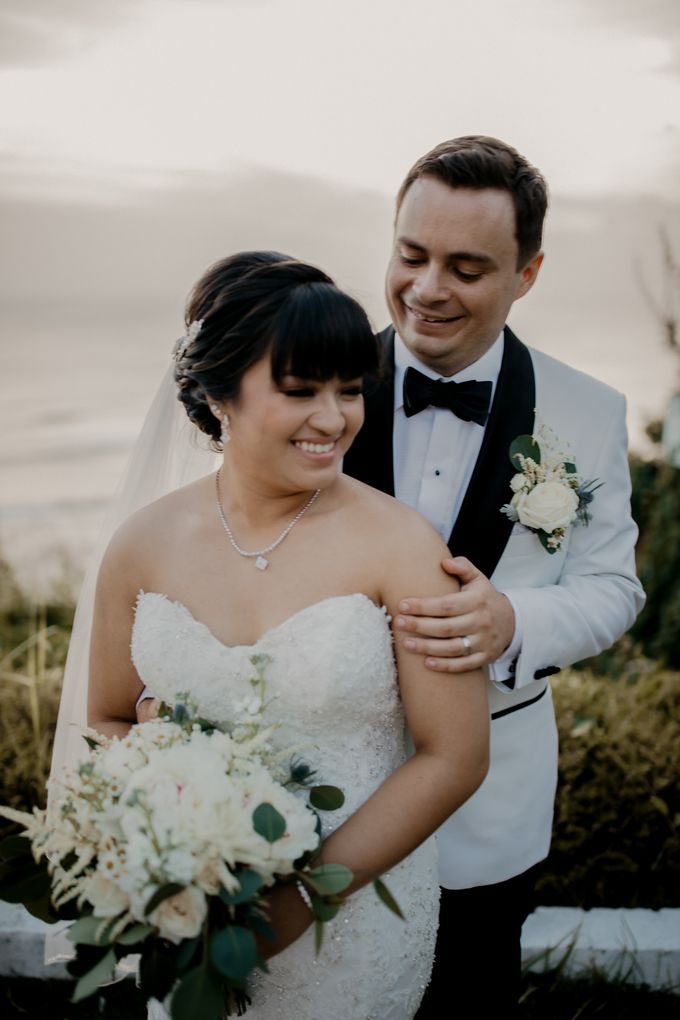 Intimate Sunset Wedding of  Caleb & Jeannie by AKSA Creative - 018