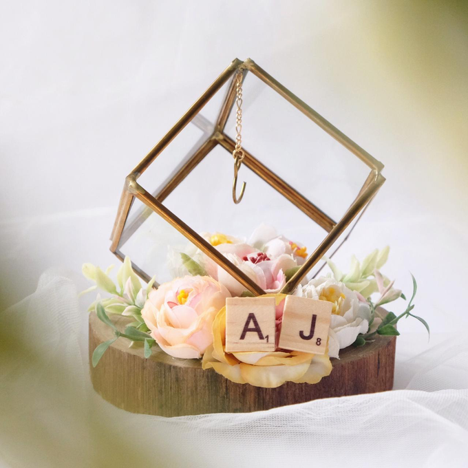 Petite Square Ring Bearer for Amy & Partner by Jeestudio Id - 002