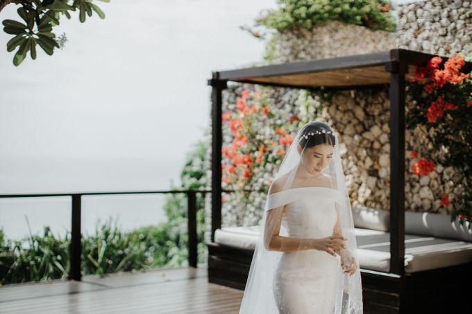 Selebrasi pernikahan intimate dengan sentuhan bintang di tebing ungasan, Mengakhiri long-distance 6 tahun dengan selebrasi pernikahan di Ungasan by THE UNGASAN CLIFFTOP RESORT BALI - 010