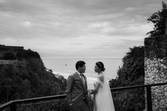 Wedding day of Jeffry & Kathrin at The Ungasan Uluwatu Bali Villas by THE UNGASAN CLIFFTOP RESORT BALI - 005