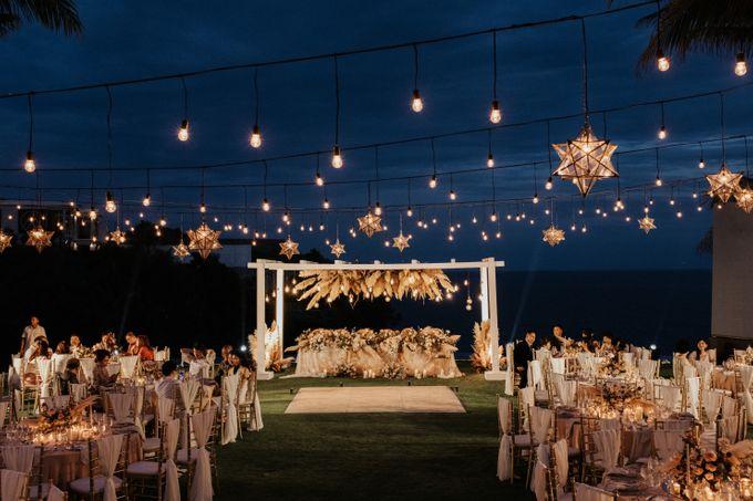 Wedding day of Jeffry & Kathrin at The Ungasan Uluwatu Bali Villas by THE UNGASAN CLIFFTOP RESORT BALI - 016