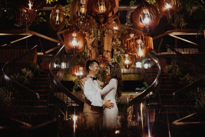 Agnes & Dicky Wedding by HENRY BRILLIANTO - 047