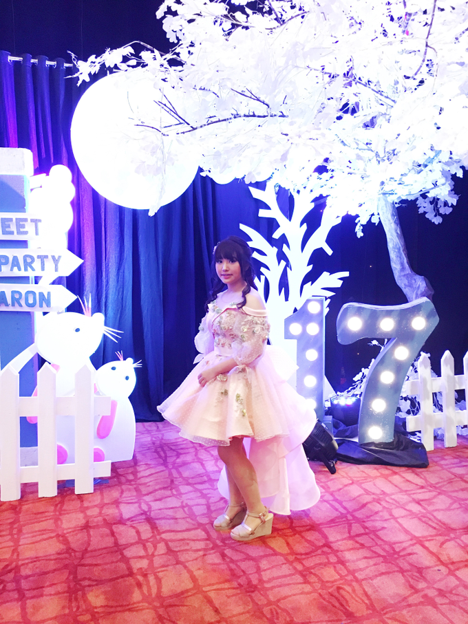 Sharon Sweet 17 by Jessica Huang - 001