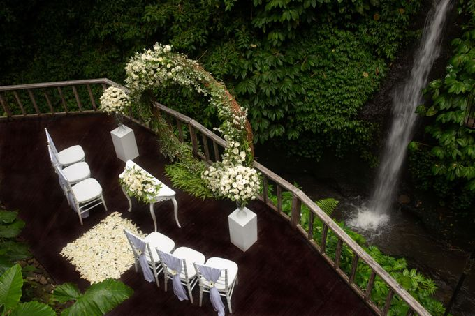 Enchanted  Wedding Package with waterfall as the Background by The Kayon, Truly Ubud Resort - 004