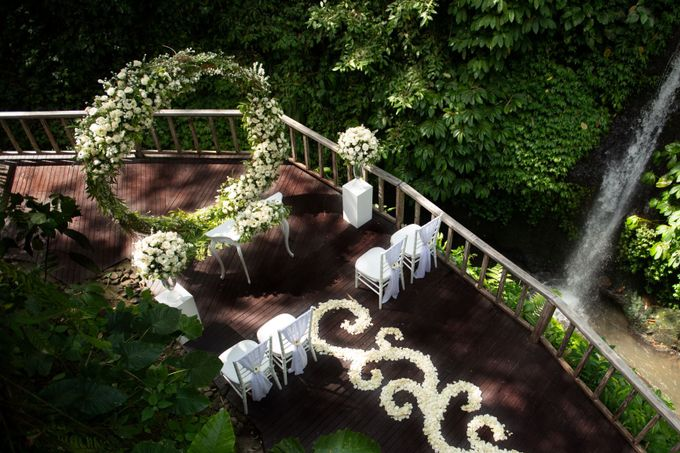 Enchanted  Wedding Package with waterfall as the Background by The Kayon, Truly Ubud Resort - 001