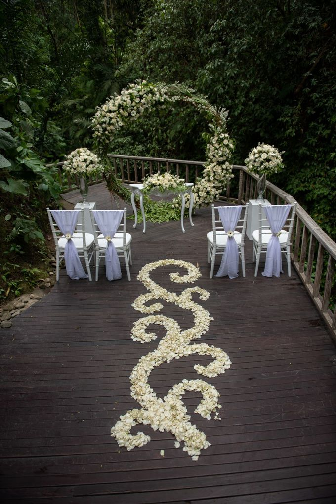 Enchanted  Wedding Package with waterfall as the Background by The Kayon, Truly Ubud Resort - 005