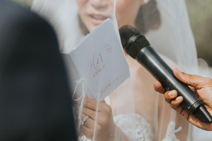 Greta & Jon | Wedding by Valerian Photo - 019
