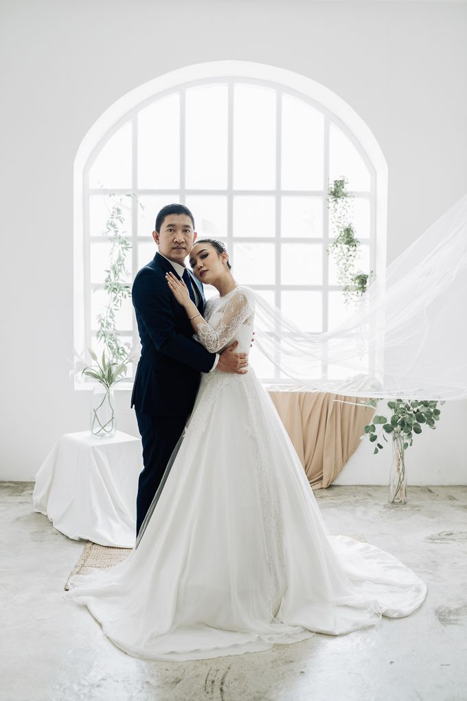 Prewedding of  Yohanna & Benny at Studio Kini Greenville by Warna Project - 009