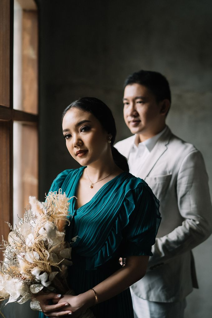 Prewedding of  Yohanna & Benny at Studio Kini Greenville by Warna Project - 016
