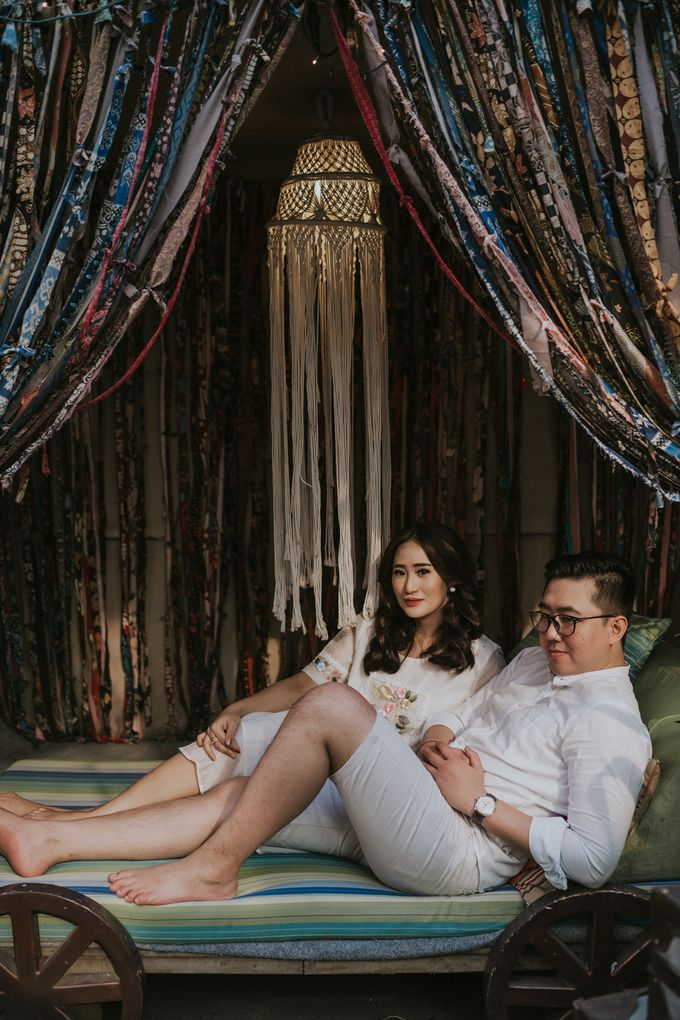 The Prewedding of Andari & Fath at Wildflower Studio by Warna Project - 020