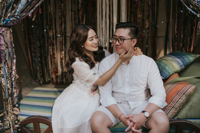 The Prewedding of Andari & Fath at Wildflower Studio by Warna Project - 018