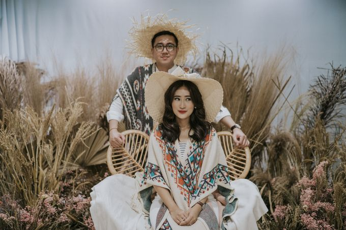 The Prewedding of Andari & Fath at Wildflower Studio by Warna Project - 004