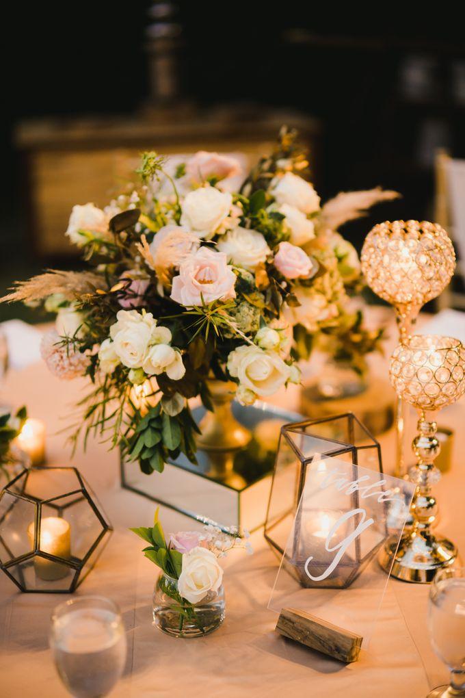 Ian & Farra Intimate Beach Villa Wedding by Vilia Wedding Planner - 033