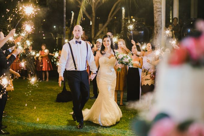 Ian & Farra Intimate Beach Villa Wedding by Vilia Wedding Planner - 036