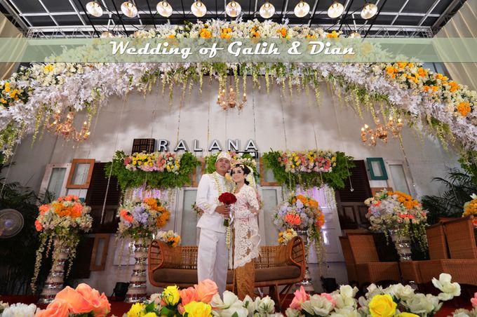 Foto Pernikahan Adat Jawa Modern Galih & Dian by Creative Fotografi - 001