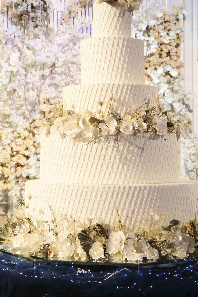 The Wedding of Kenny & Michelle by KAIA Cakes & Co. - 013