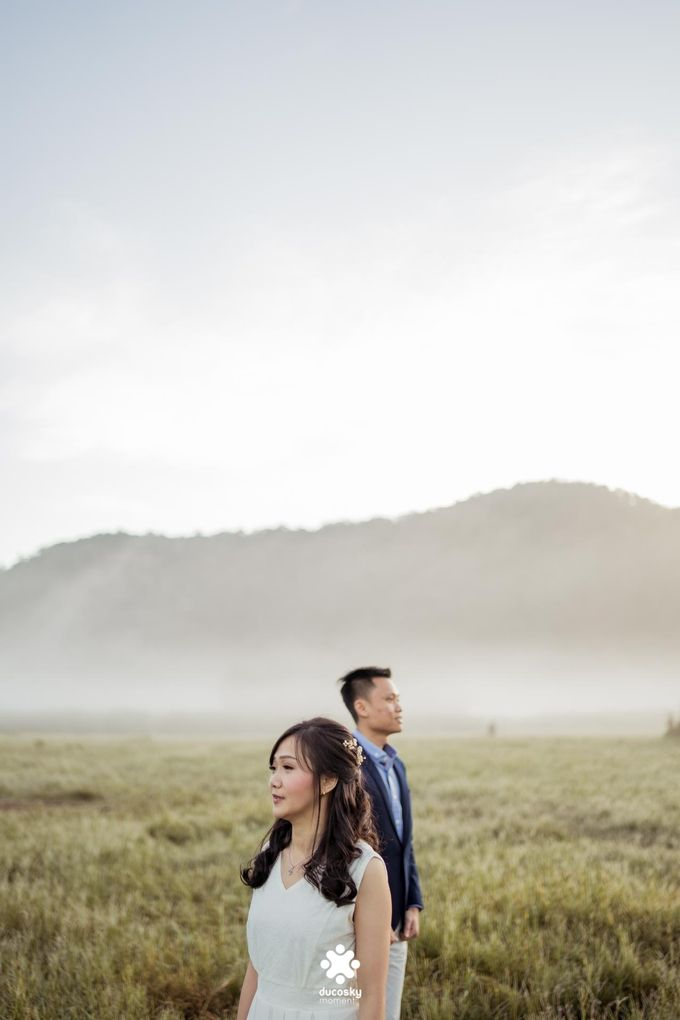 Joseph Ayu Prewedding - Sunrise in Your Eyes by Ducosky - 004