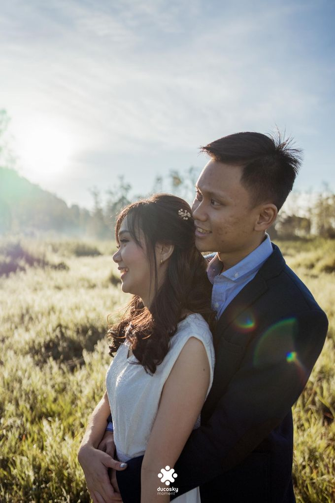 Joseph Ayu Prewedding - Sunrise in Your Eyes by Ducosky - 022