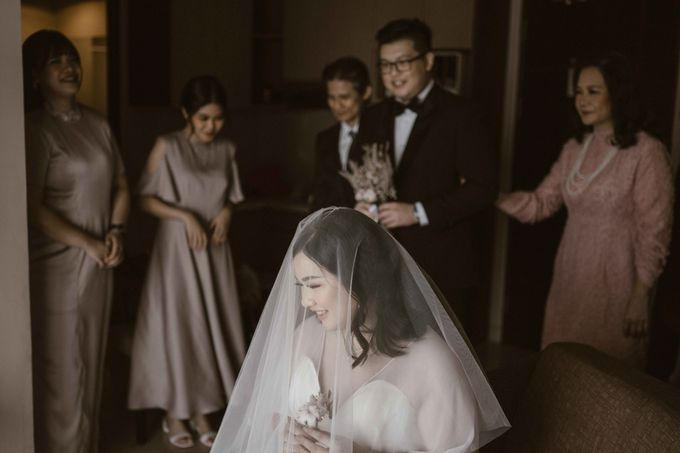 Joshua & Vania Wedding at Mercure Hotel Jakarta by AKSA Creative - 015