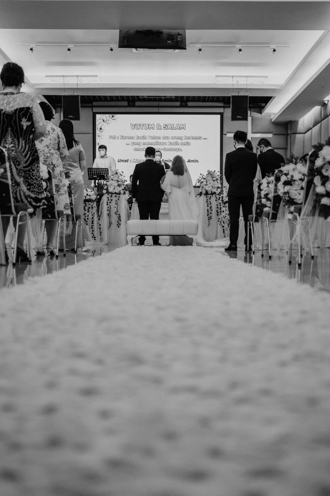 Joshua & Vania Wedding at Mercure Hotel Jakarta by AKSA Creative - 019