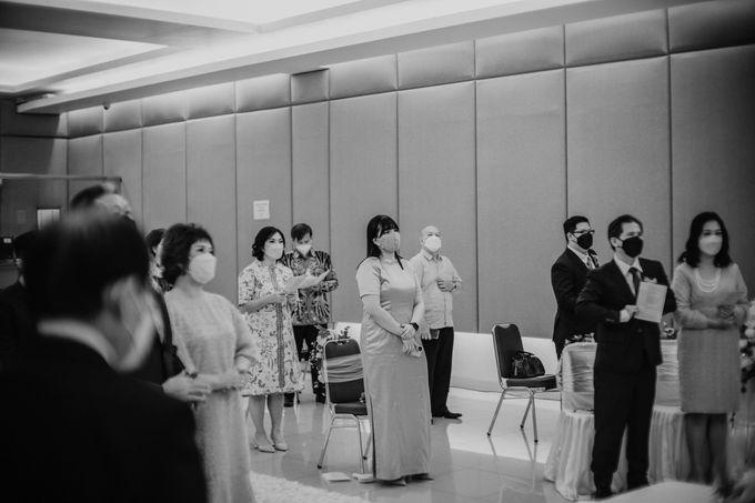 Joshua & Vania Wedding at Mercure Hotel Jakarta by AKSA Creative - 023