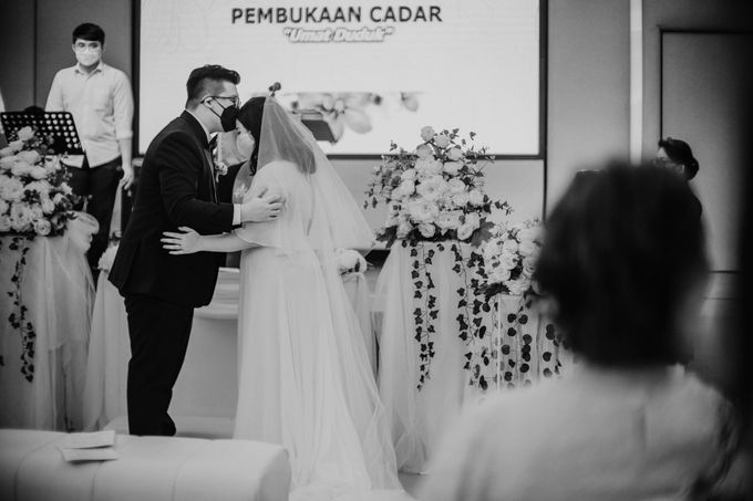 Joshua & Vania Wedding at Mercure Hotel Jakarta by AKSA Creative - 024