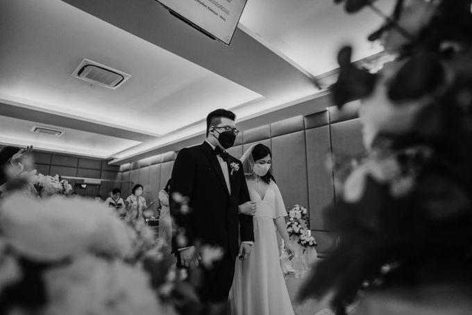 Joshua & Vania Wedding at Mercure Hotel Jakarta by AKSA Creative - 028