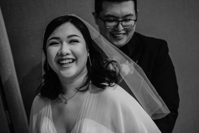 Joshua & Vania Wedding at Mercure Hotel Jakarta by AKSA Creative - 035