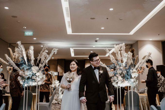 Joshua & Vania Wedding at Mercure Hotel Jakarta by AKSA Creative - 039