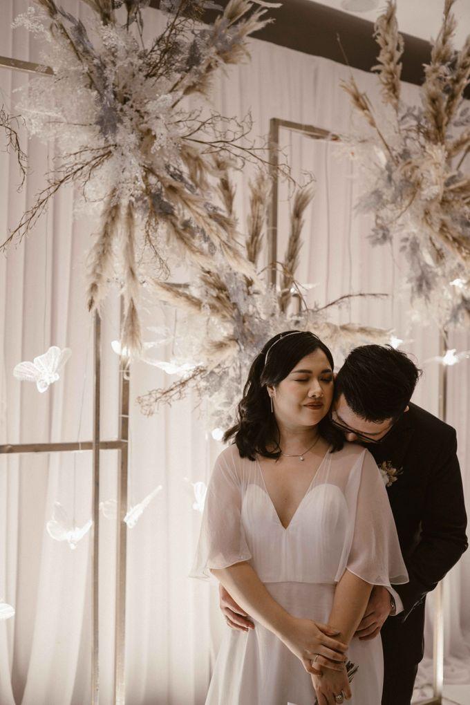 Joshua & Vania Wedding at Mercure Hotel Jakarta by AKSA Creative - 043